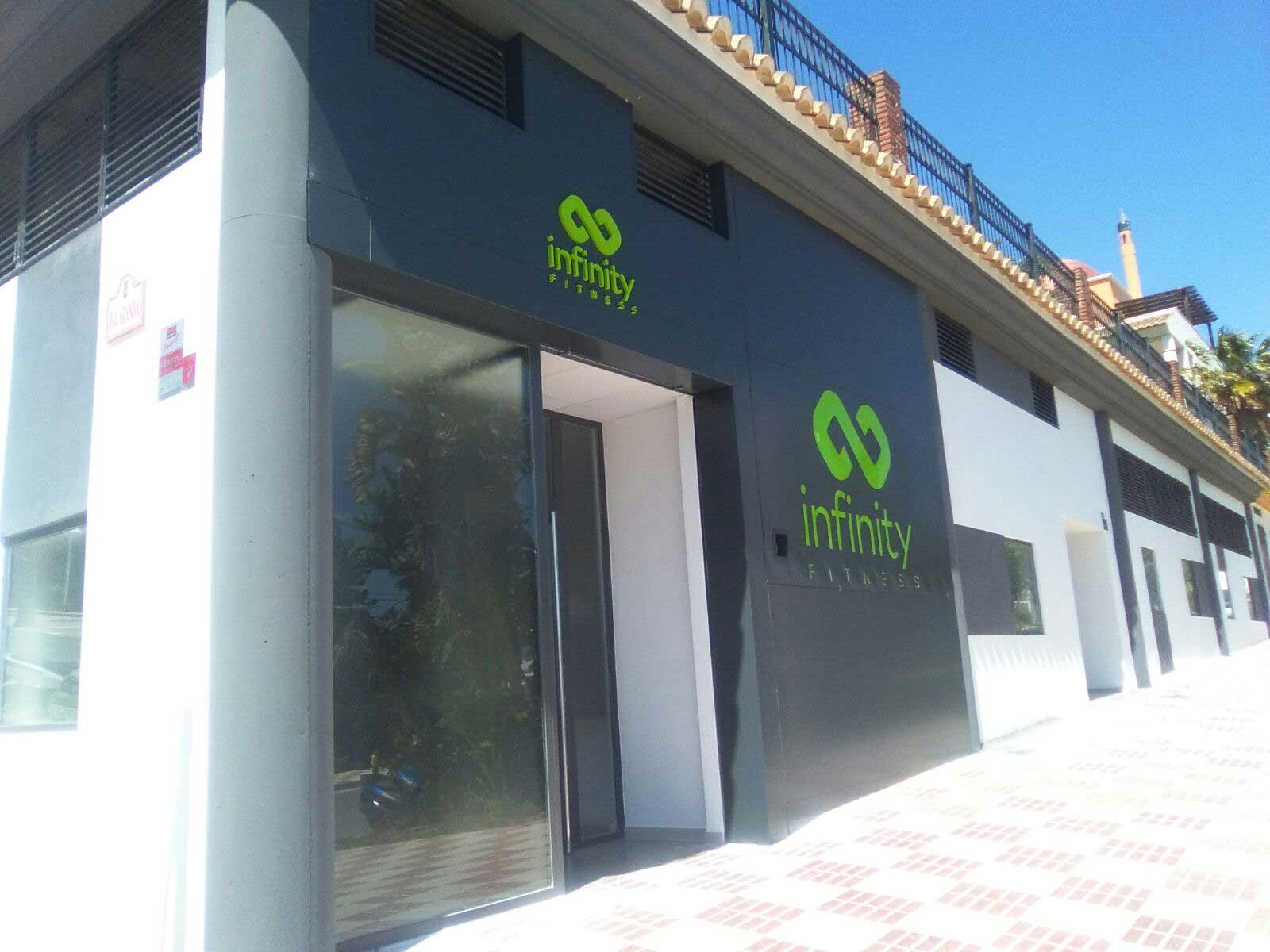 Recubrimiento de fachadas con panel de aluminio compuesto iberti - Recubrimientos de fachadas ...